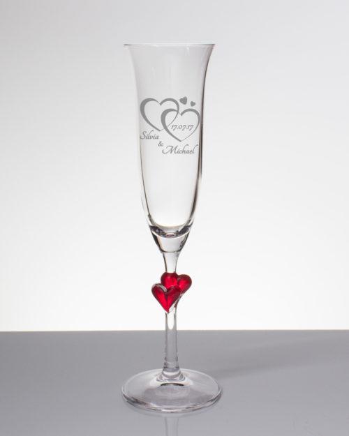 Sektglas mit Gravur - zwei Herzen mit Namen und Datum