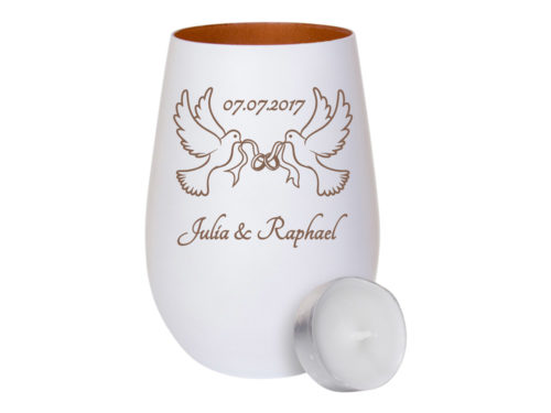 Weißes Windlicht aus Glas - innen broze mit Gravur zwei Tauben mit Ringe im Schnabel zur Hochzeit