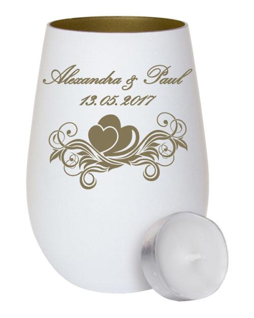 Weißes Windlicht aus Glas - innen gold mit Gravur zwei Herzen auf einer Ranke als Geschenk zur Hochzeit