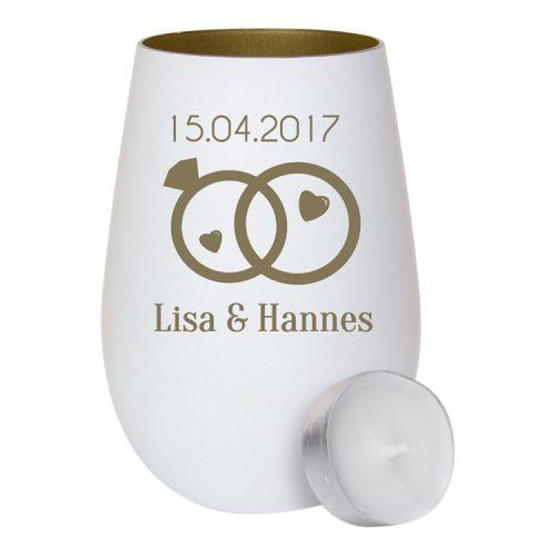 Weißes Windlicht aus Glas - innen gold mit Gravur zwei Ringe und kleine Herzen als Geschenk zur Hochzeit