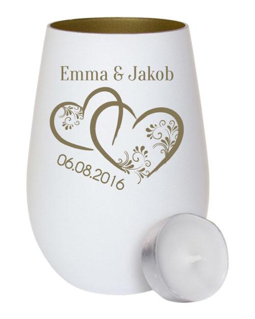 Weißes Windlicht aus Glas - innen gold mit Gravur zwei Herzen und Ranken als Geschenk zur Hochzeit